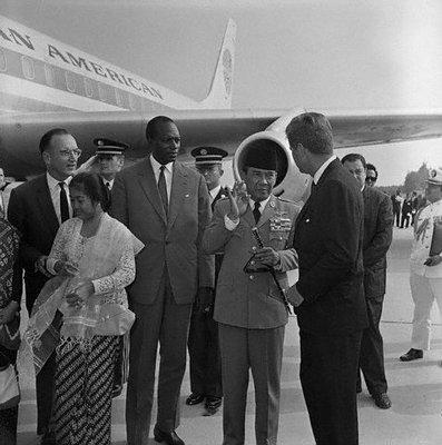 Kennedy-Megawati-12_9_1961