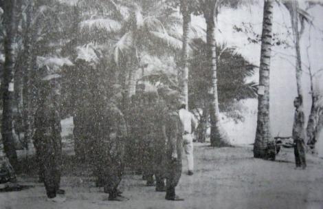 Oei Tjoe Tat Menerma Pasukan Relawan
