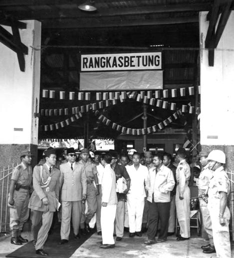 BK di Stasiun Rangkasbitung 1957