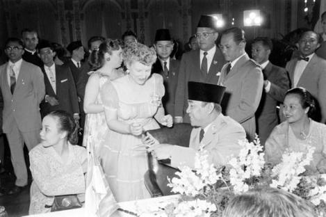 Bung Karno di AS 1956b