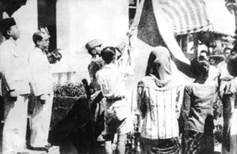 kibarkan merah putih 17 agustus 1945