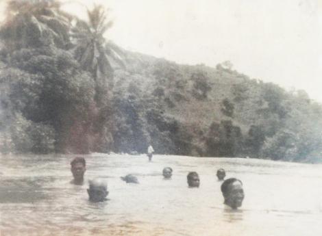 Bung Karno berenang di Nangaba